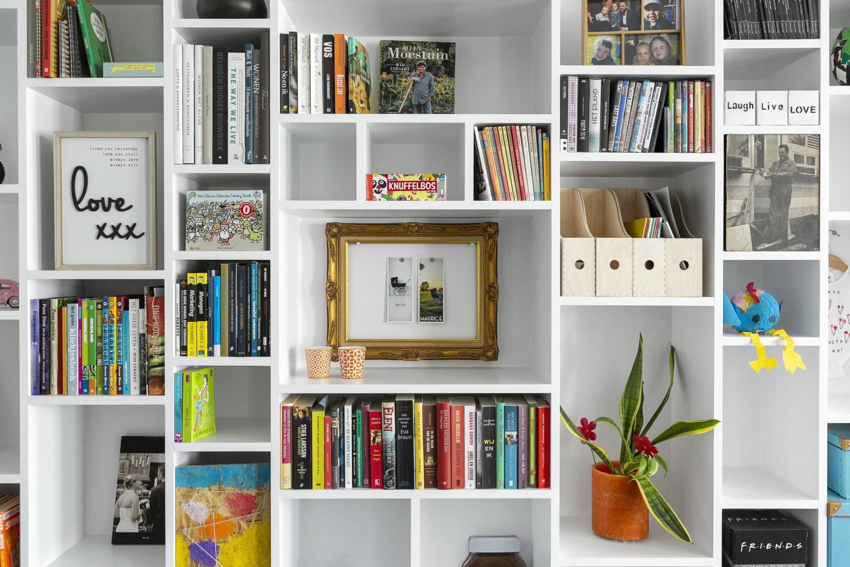Woonkamer Kast Inrichten : Etalagekast of bibliotheek in woonkamer vens waasmunster