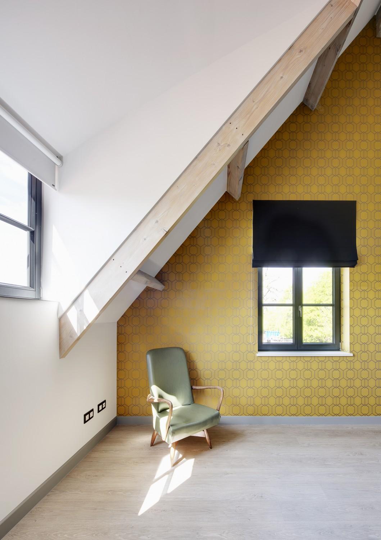 Behangen van slaapkamermuur - VENS Waasmunster